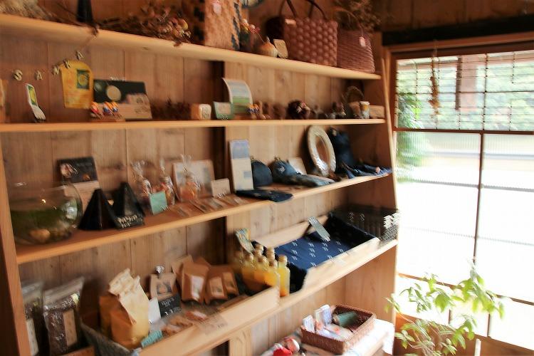 北山村近辺で、こんなに多くの作家さんの商品があるとは、驚きました。