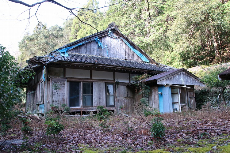 松林寺は、1601年には建てられていたと言われていますが、詳細は不明らしいです。人口の減少とともに、寺の維持ができなくなり、昭和51年に廃院となったらしいです。