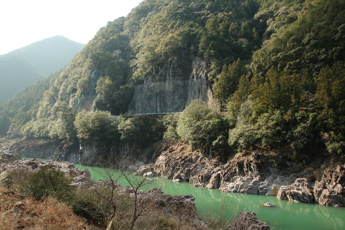 七色峡を歩こう